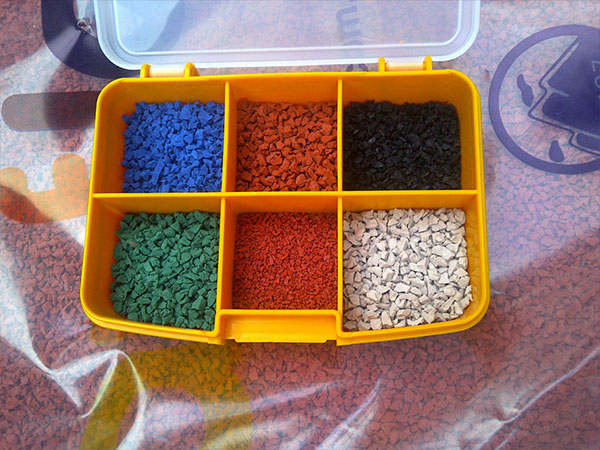 sell rubber granules flooring and playground